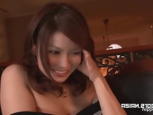 Shy Asian babe fingers her pussy for the..